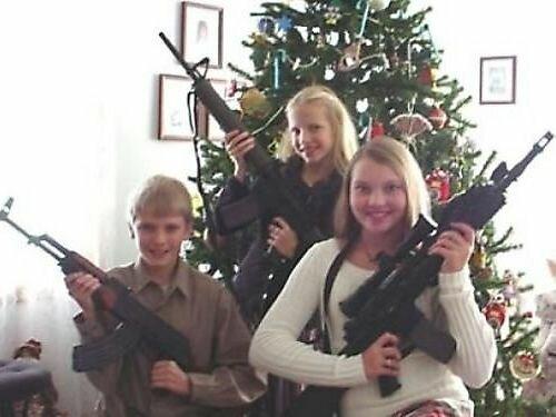 Hilarious Christmas Family Photos - 1